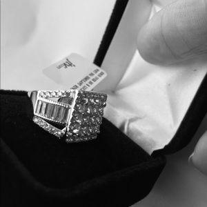 Beautiful JTV Bella Luce SS/CZ ring size 5